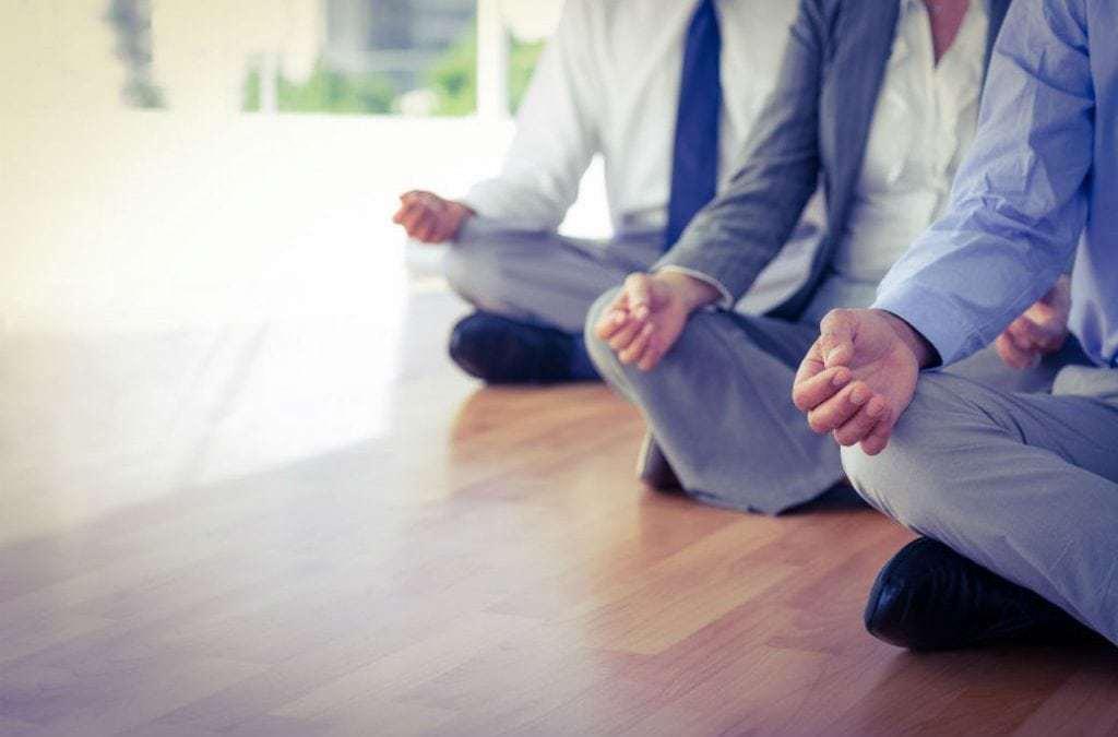 Como a Mindfulness pode ajudar você a ter uma vida mais plena e feliz